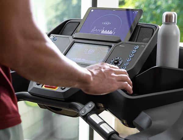 man using JRNY App for treadmills