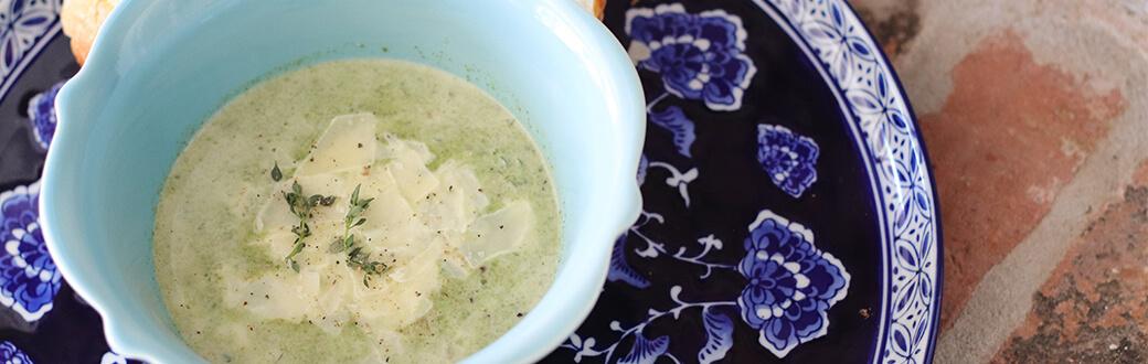A bowl of onion soup.
