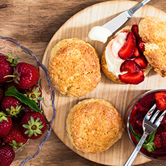 strawberries with whip cream and angel food cake